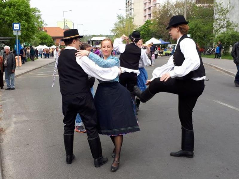 danza popolare, néptánc